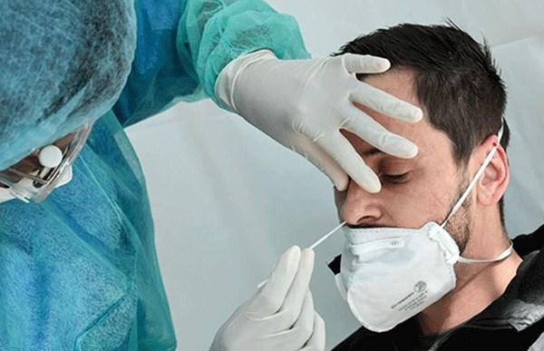 وزیر بهداشت: تستهای کرونا را به روزانه 100 هزار مورد افزایش میدهیم