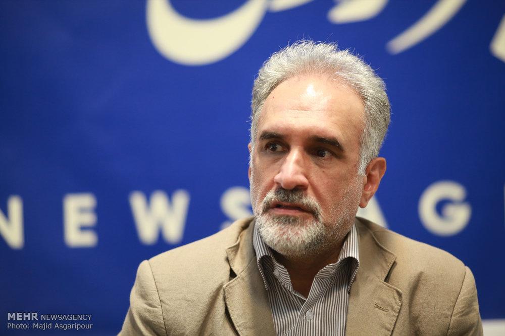 انتقاد حکیمیپور از رویکرد مشورتی دولت جدید/ جریان اصلاحات عملکرد دولت را رصد میکند