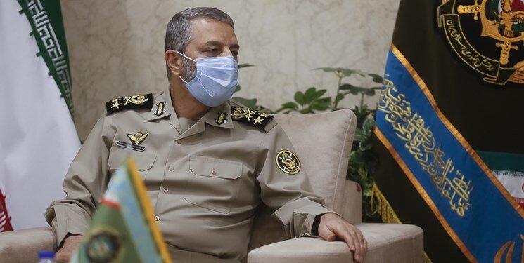 ارتش با تمام قدرت پای کار مقابله با کرونا است/آمادگی کامل ارتش برای کمک به وزارت بهداشت