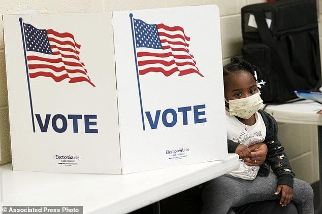 دادگاه پنسیلوانیا تائید نتایج انتخابات را فعلا متوقف کرد