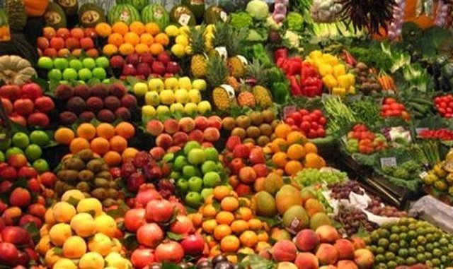 نوسان در قیمت میوه های نوبرانه/ فاکتور در مبدا صادر نمی شود